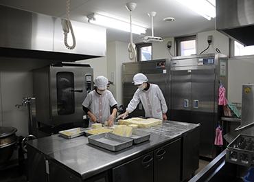 長野保育園-最新設備の調理室
